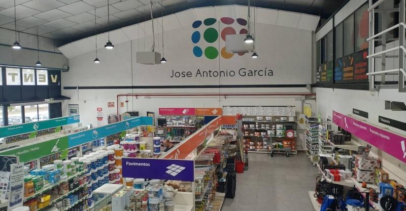 PINTURAS JOSE ANTONIO GARCIA EN EL PERIODICO 5 DIAS DE EL PAIS