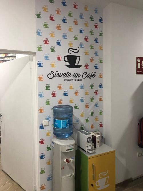 SÍRVETE UN CAFÉ, ESTÁS EN TU CASA!