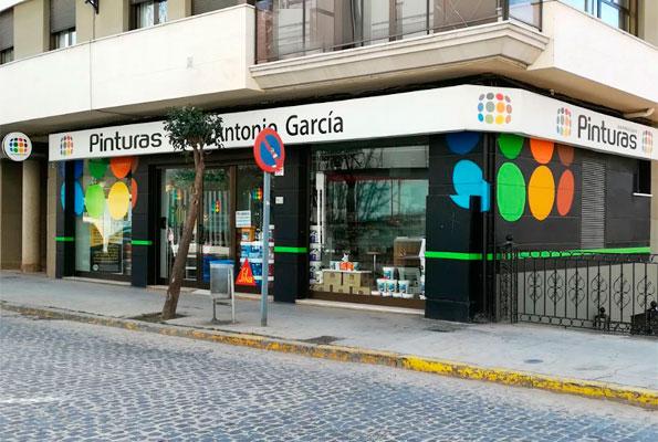 Pinturas Jose Antonio García, Tienda Requena